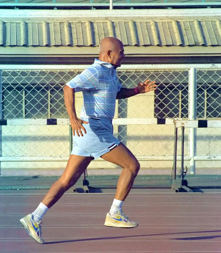 Книжки Шрі Чинмоя про користь руху тавнутрішнє значення спорту